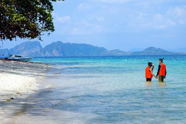 Similan and Surin marine parks , Thailand