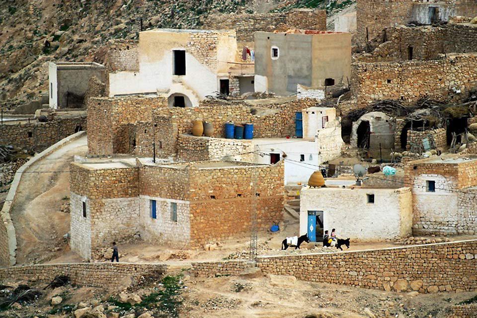 Le village de Medenine , La ville de Medenine , Tunisie