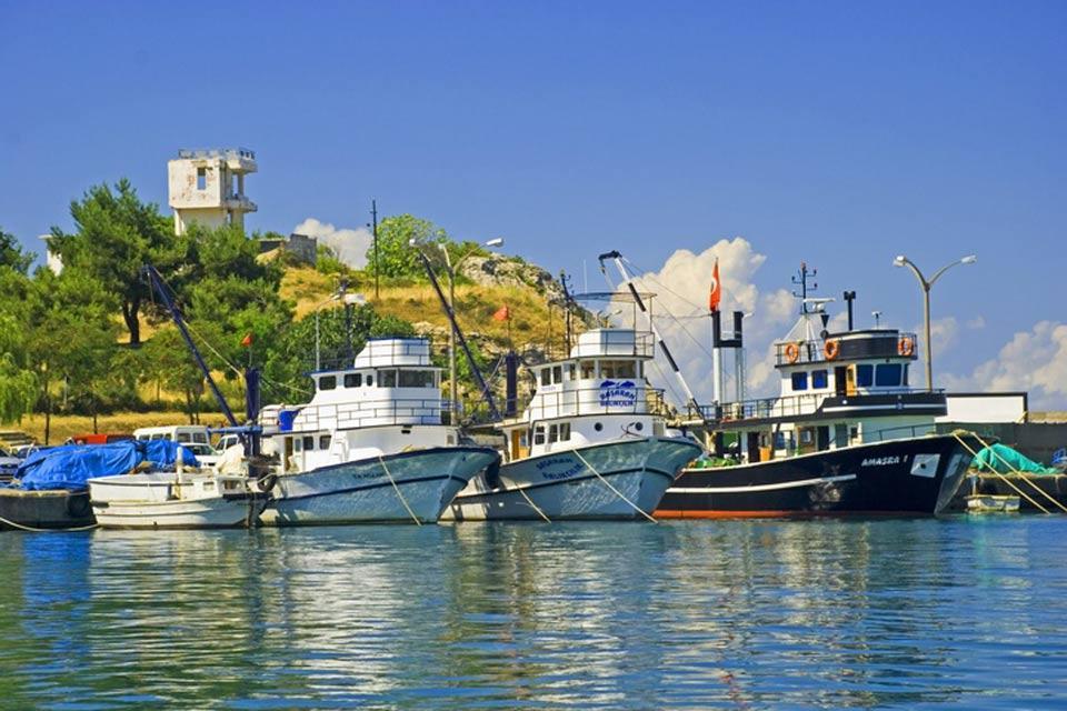 La côte de la mer Noire , Le port d'Amasra , Turquie