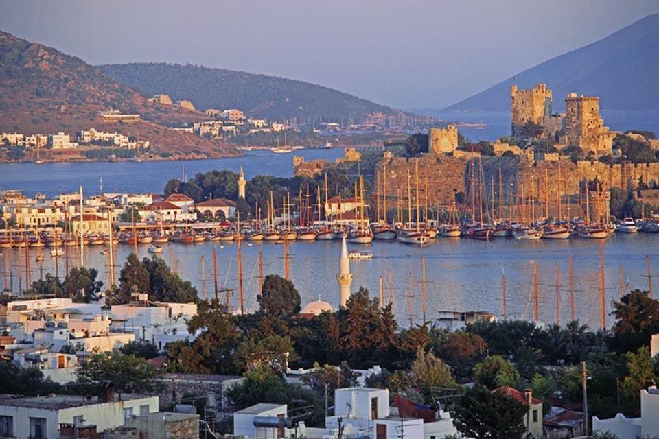 La côte égéenne , Entre bain de mer et culture , Turquie