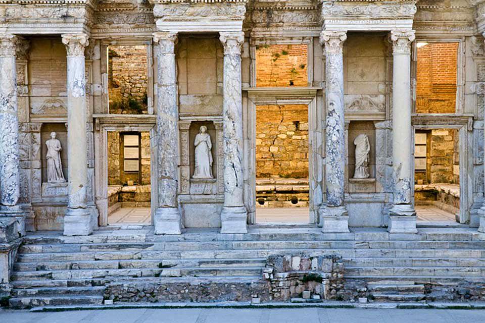 Ephèse et les sites archéologiques de l'Egée , Les statues , Turquie