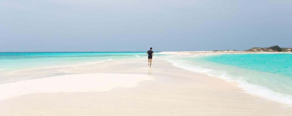 how to get to los roques venezuela
