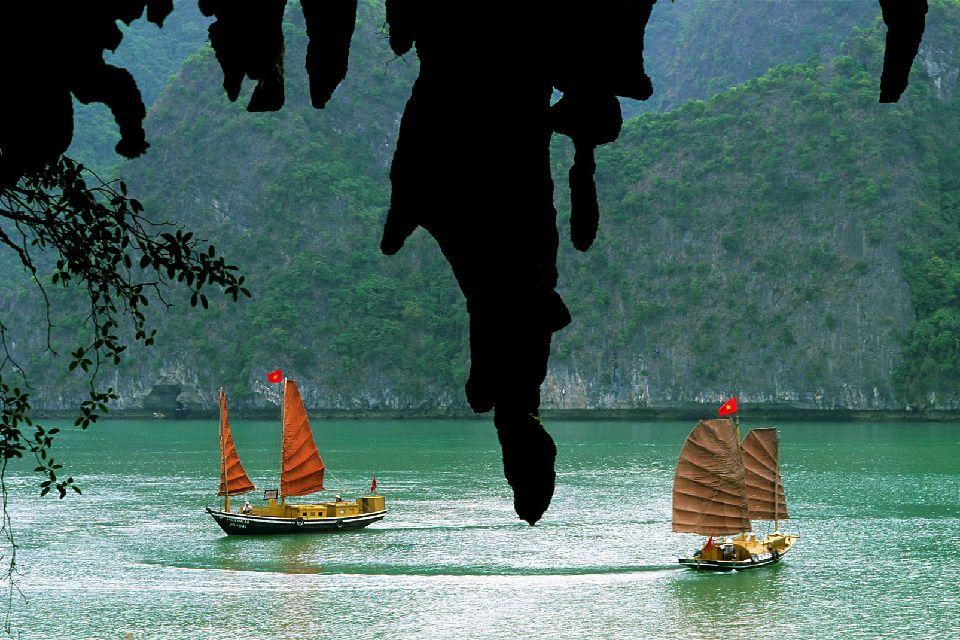 La bahía de Along , Pescadores , Vietnam