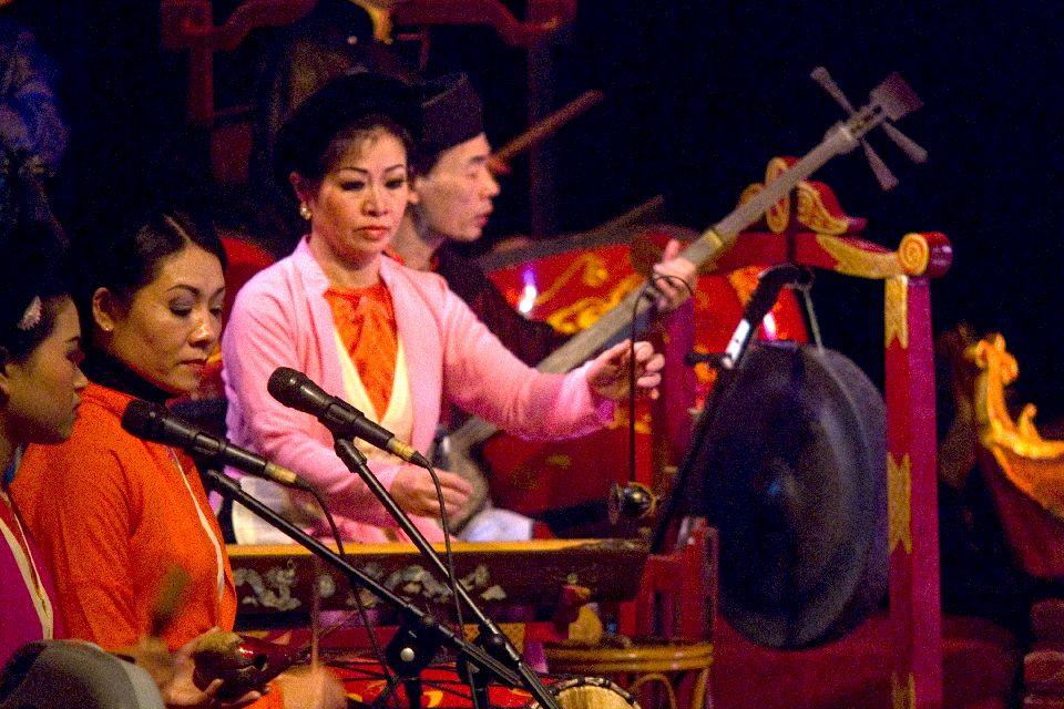 L'influenza cinese, le marionette sull'acqua , Concerto durante gli spettacoli , Vietnam