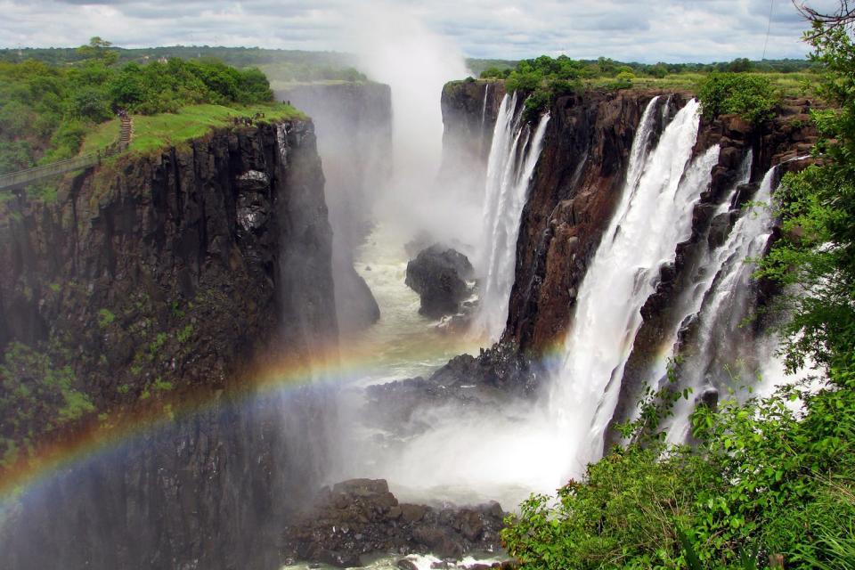 les-chutes-victoria-zimbabwe