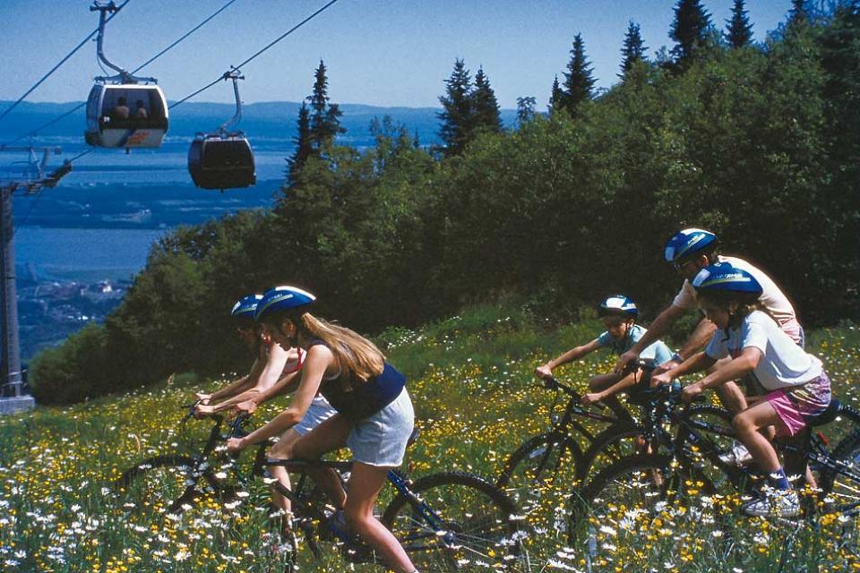Summer activities , Mountain-biking , Canada
