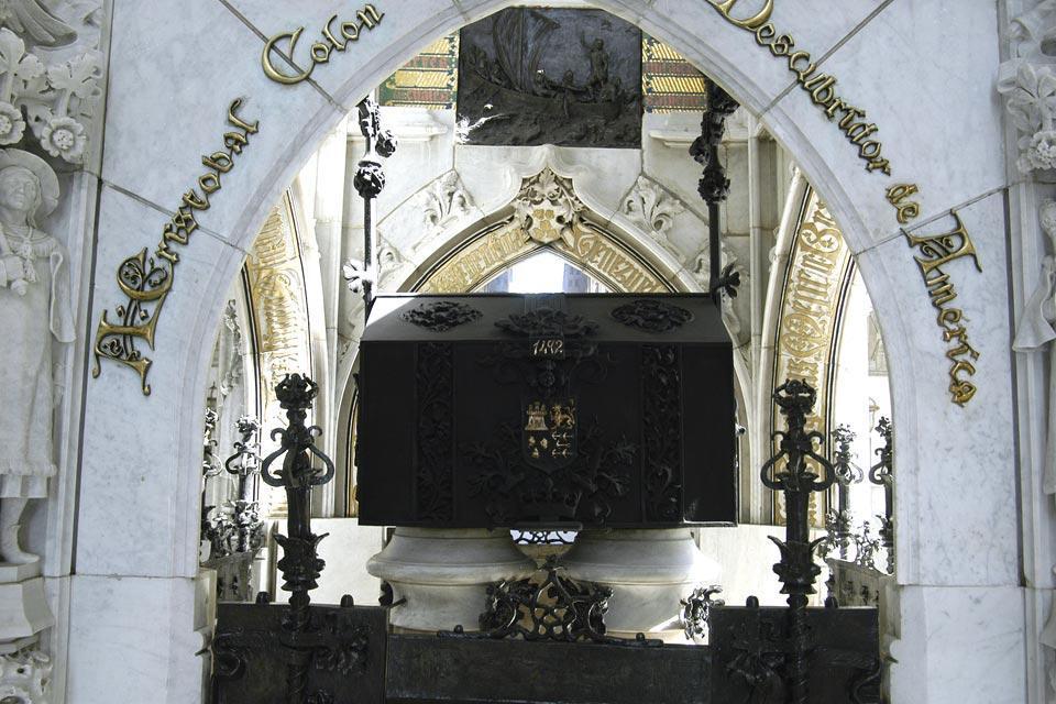 Le Phare de Colon , Le mausolée de Christophe Colomb , République dominicaine