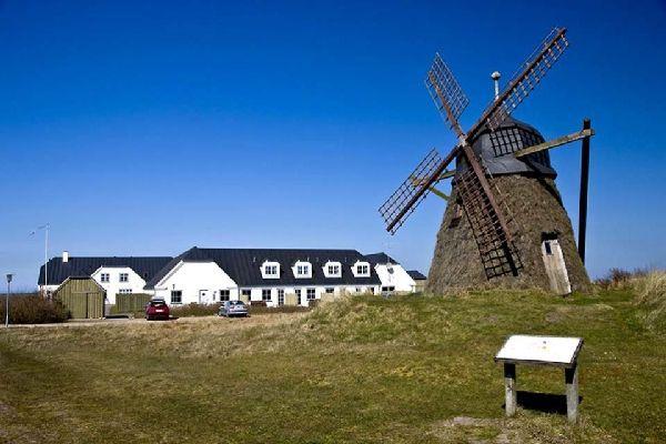 La península de Jutlandia , Molino de viento típico del norte de la penín , Dinamarca