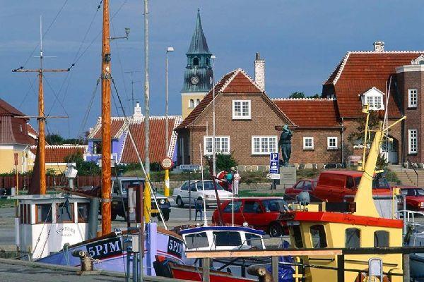 La península de Jutlandia , Puerto de Skagen, en el extremo norte de Dina , Dinamarca