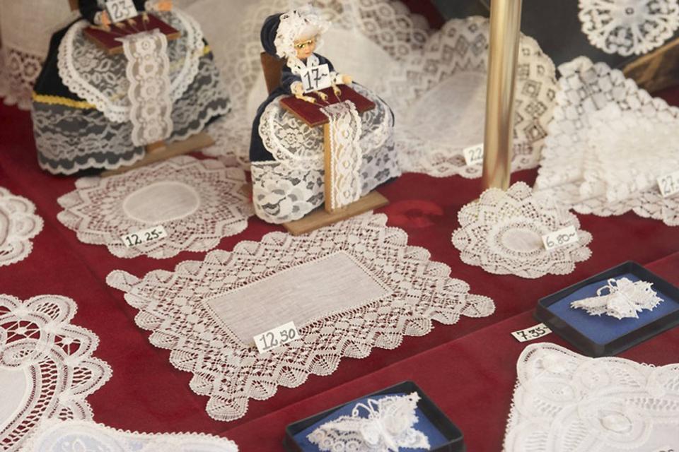 Craftwork , Handicrafts , Belgium