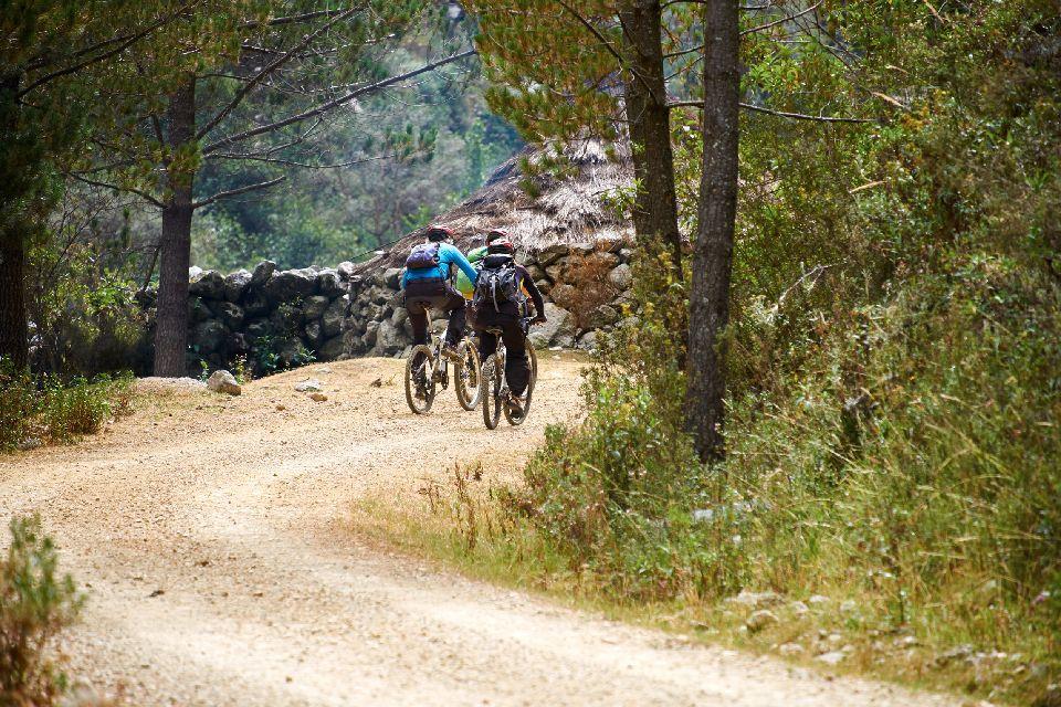 Mountain cycling , Peru