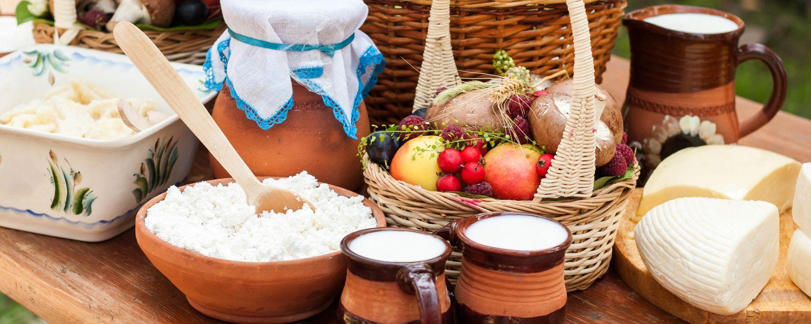 Les traditions, marché, folklore, royaume-uni, iles, anglo-normandes, ile, viaer marchi, lait, produit laitier, fromage, crème
