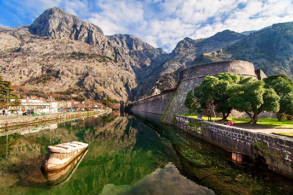 Les bouches de Kotor , Les murailles de Kotor , Monténégro