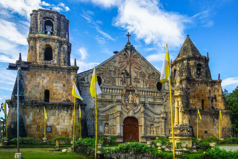 La decorazione delle chiese, Le chiese, I monumenti, Filippine