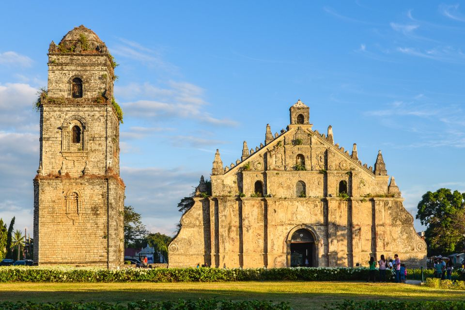 Paoay, Le chiese, I monumenti, Filippine