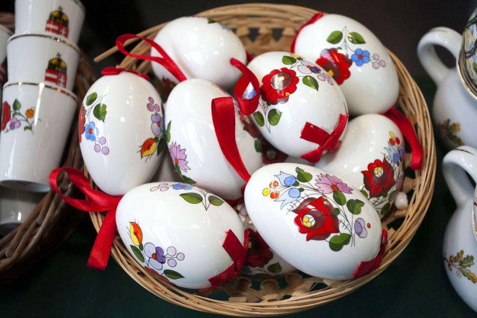 Pasqua a Holloko, Le feste pasquali , Le tradizioni, Ungheria