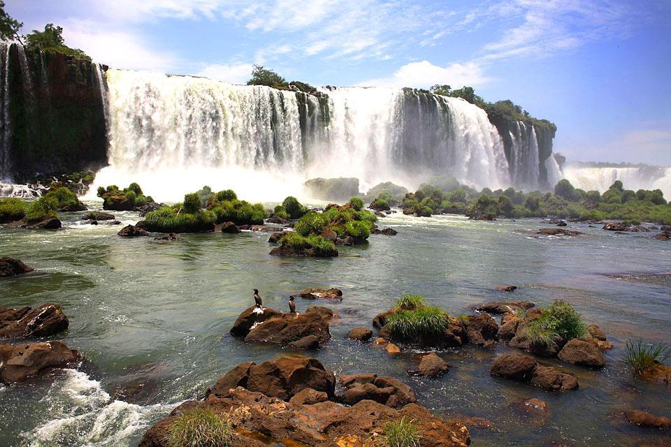 Les chutes d'Iguaçu , Brésil