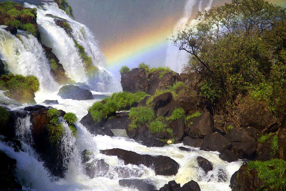 Les chutes d'Iguaçu , Le fleuve Iguaçu , Brésil