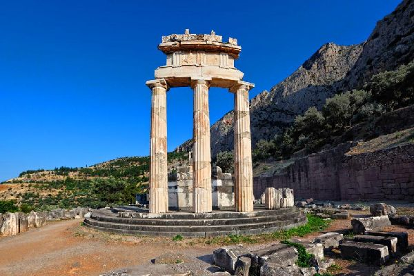 Delphi , A column of the Ionic Order , Greece