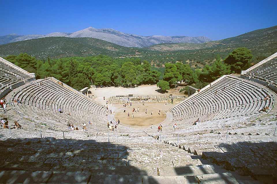 Le théâtre antique d'Epidaure , Grèce