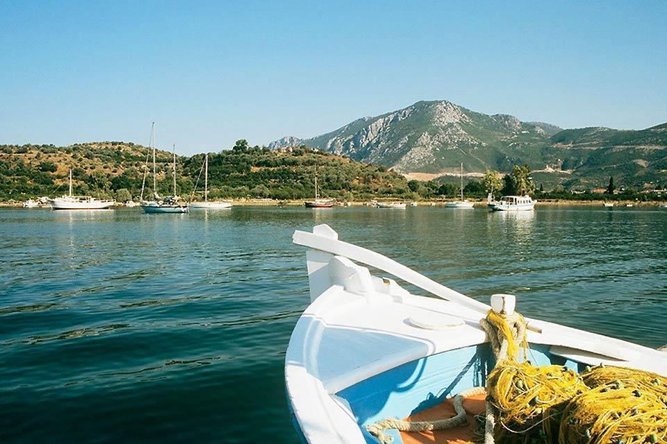 Le littoral du Péloponnèse , Les liaisons maritimes du Péloponnèse , Grèce