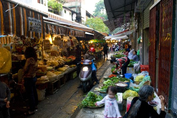 L'influenza cinese, le marionette , Mercati locali , Vietnam