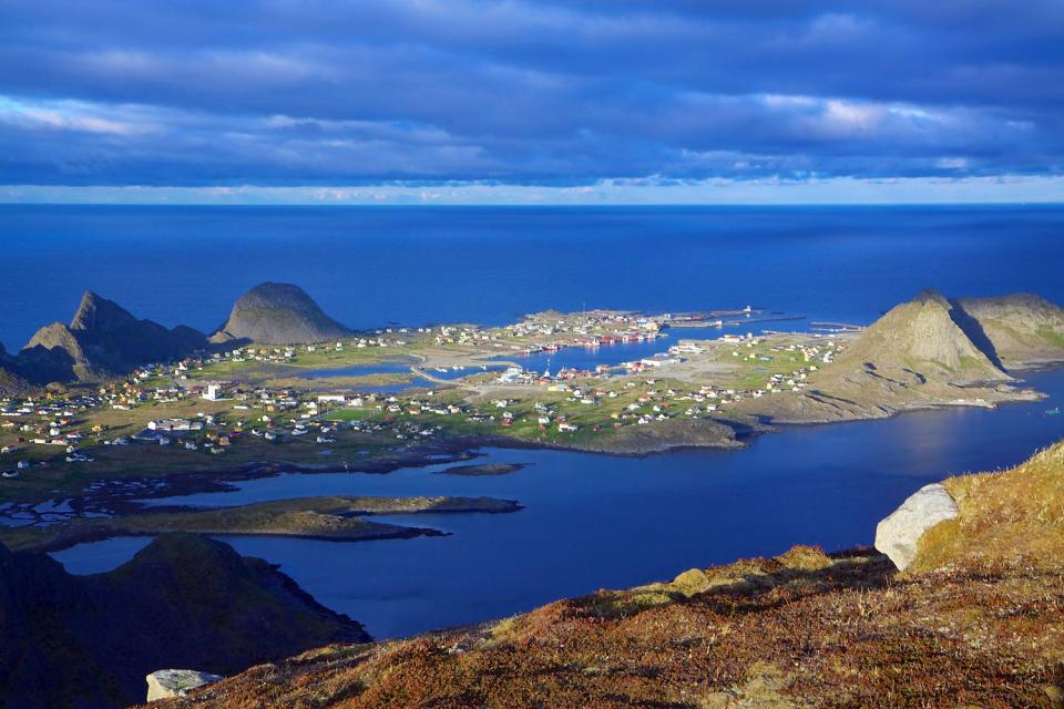 Die Badeorte im Süden des Landes , Boot auf einem Fjord in Norwegen , Norwegen