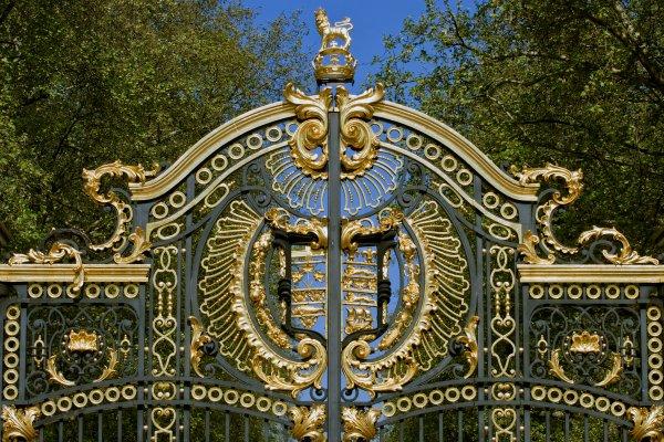 Green Park, il parco chic di Londra , Le porte del palazzo reale a Londra , Regno Unito