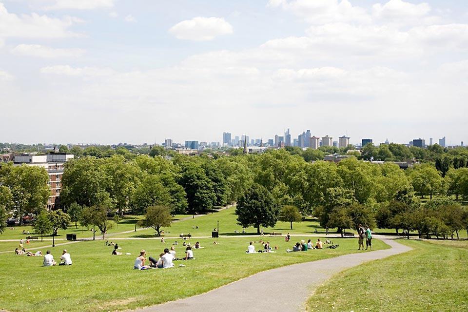 Primrose Hill, la colina verde londinense , Primrose Hill, Londres, Inglaterra , Reino Unido