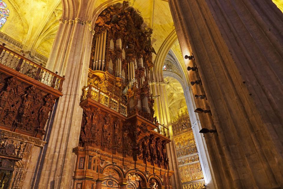 La cathédrale de Séville , La grande Orgue et les rétables , Espagne