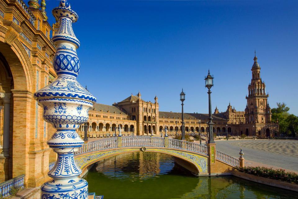 La plaza de España de Sevilla , España
