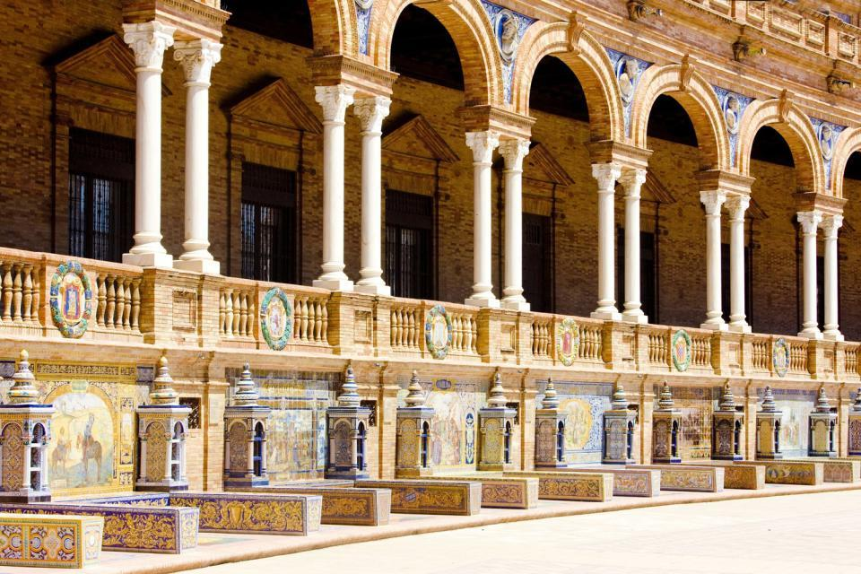 La plaza de España de Sevilla , Un cerámica de la Plaza de España de Sevilla , España