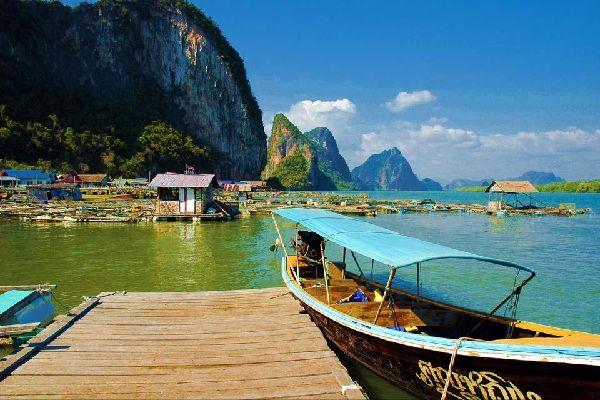 La bahía de Phang Nga , Koh Panyi , Tailandia