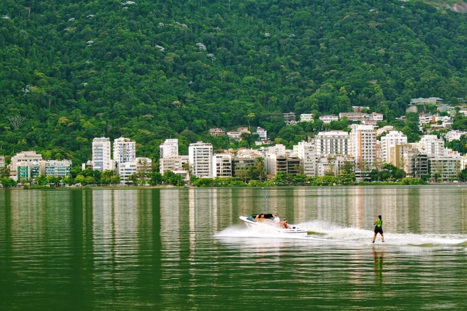 Le lagoa Rodrigo de Freitas , Un lac urbanisé , Brésil