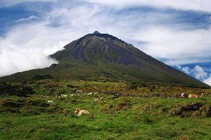 Der Vulkankegel von Pico (auf Pico) , Portugal