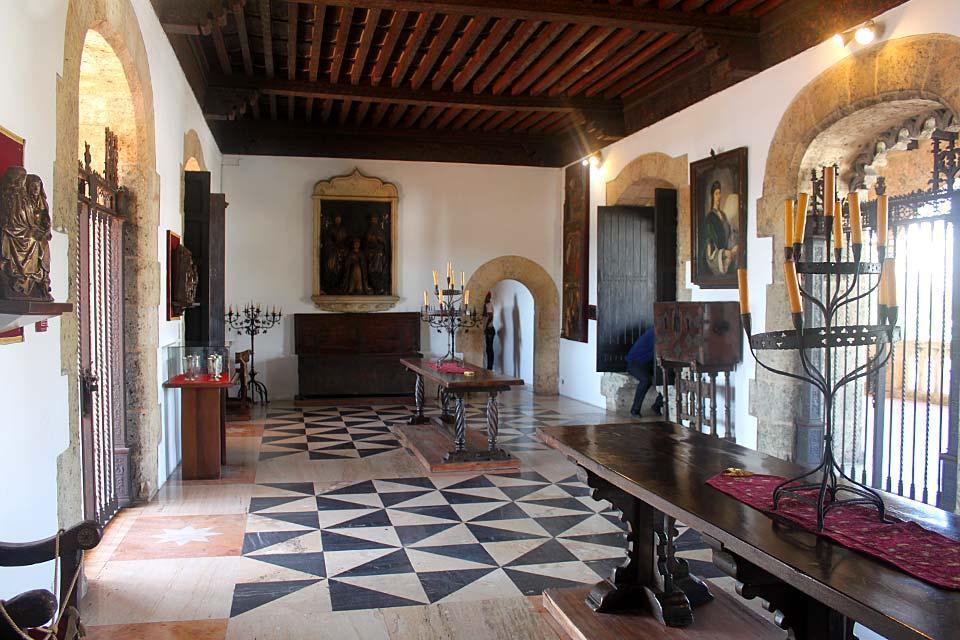 L'Alcazar de Colon, Les monuments et les balades, Le musée de l'Alcazar de Colon, République dominicaine