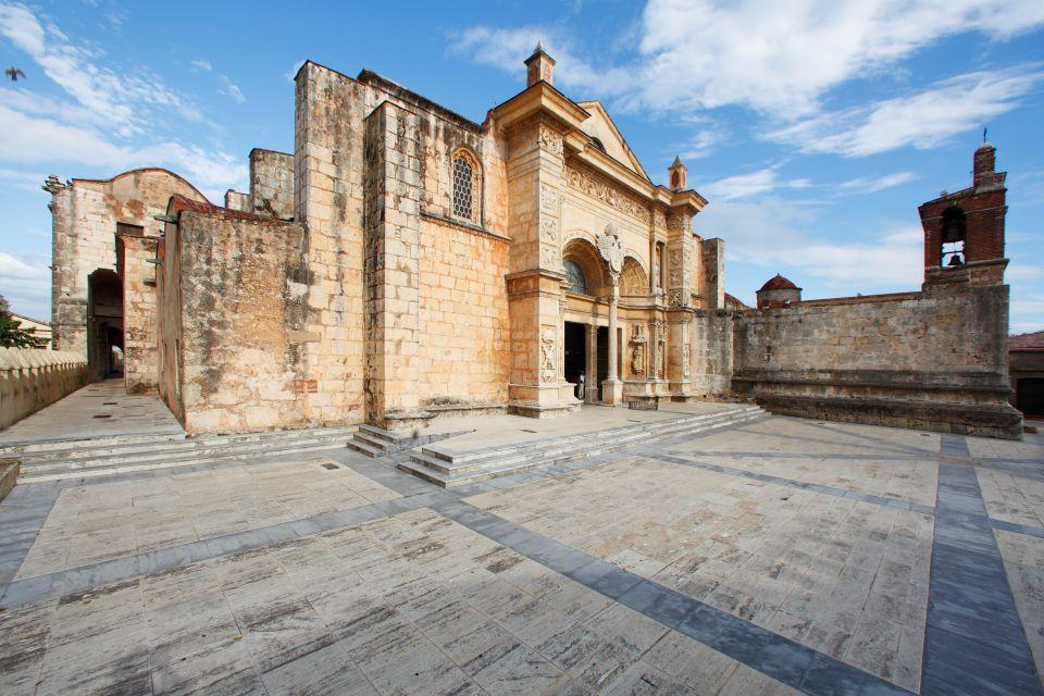 Santo Domingo Cathedral, Santo Domingo's cathedral, Monuments and walks, Santo Domingo, Dominican Republic
