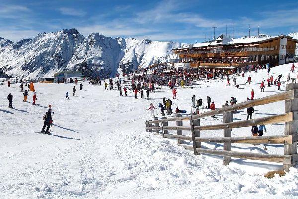 Das Paznaun , Das Paznauntal ist ein beliebtes Skigebiet , Österreich