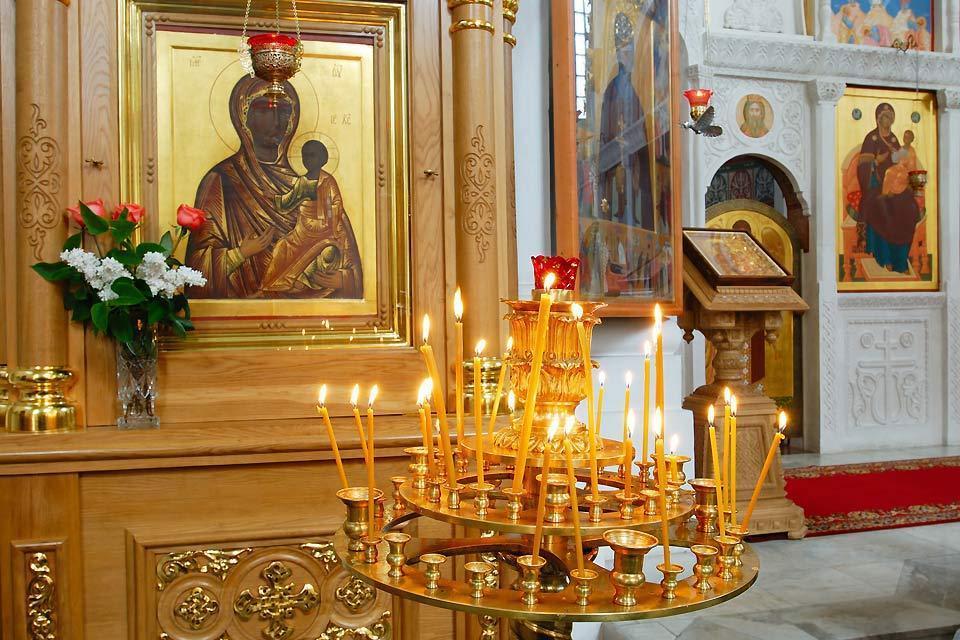 Die orthodoxe Kunst , Gedenkkerzen in orthodoxer Kirche , Weißrussland