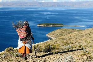 El lago Titicaca , Bolivia