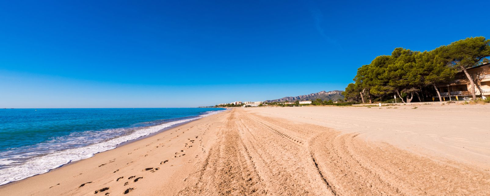 Costa Dorada, Las costas, Cataluña
