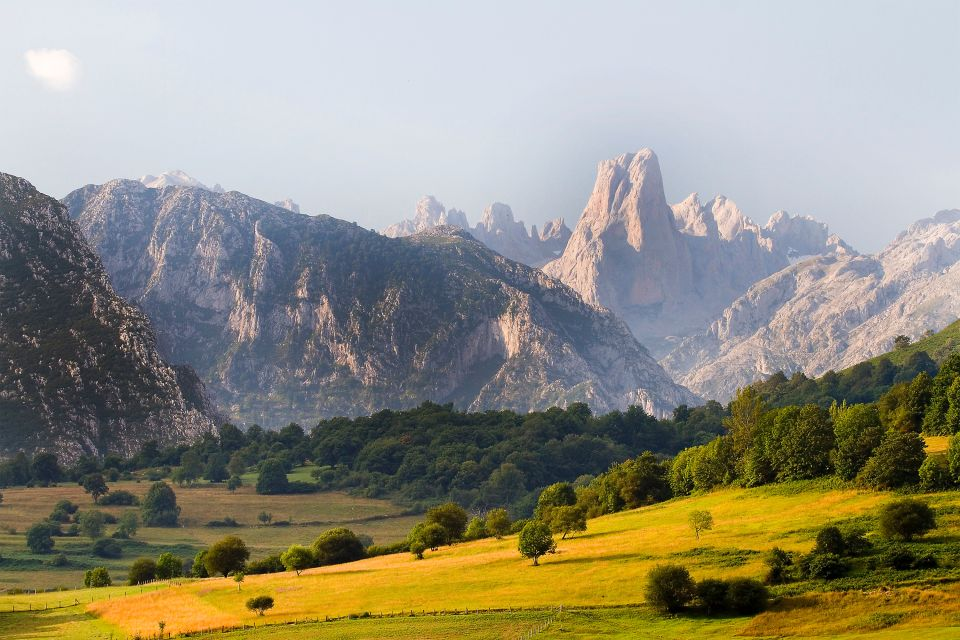 Graneros centenarios, Hórreos asturianos, Los paisajes, Asturias