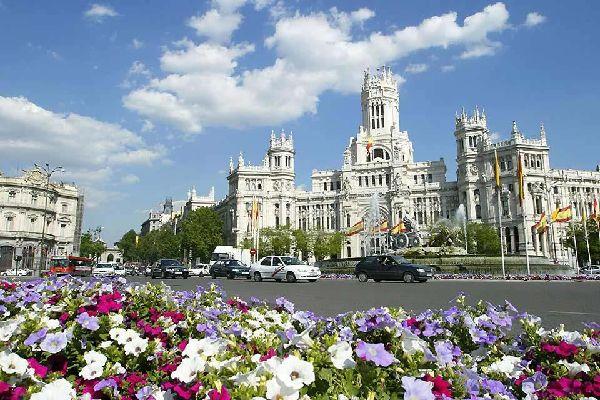 Fuente de la Cibeles und Puerta de Alcalá , Spanien