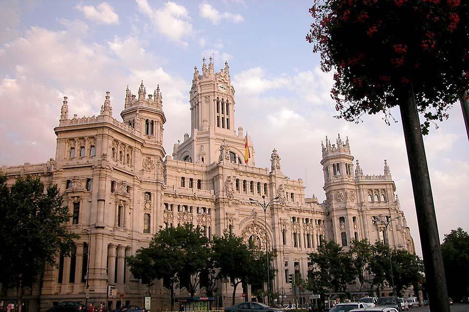 La Cibeles et la Puerta de Alcalá , Le Palais des Communications au crépuscule , Espagne