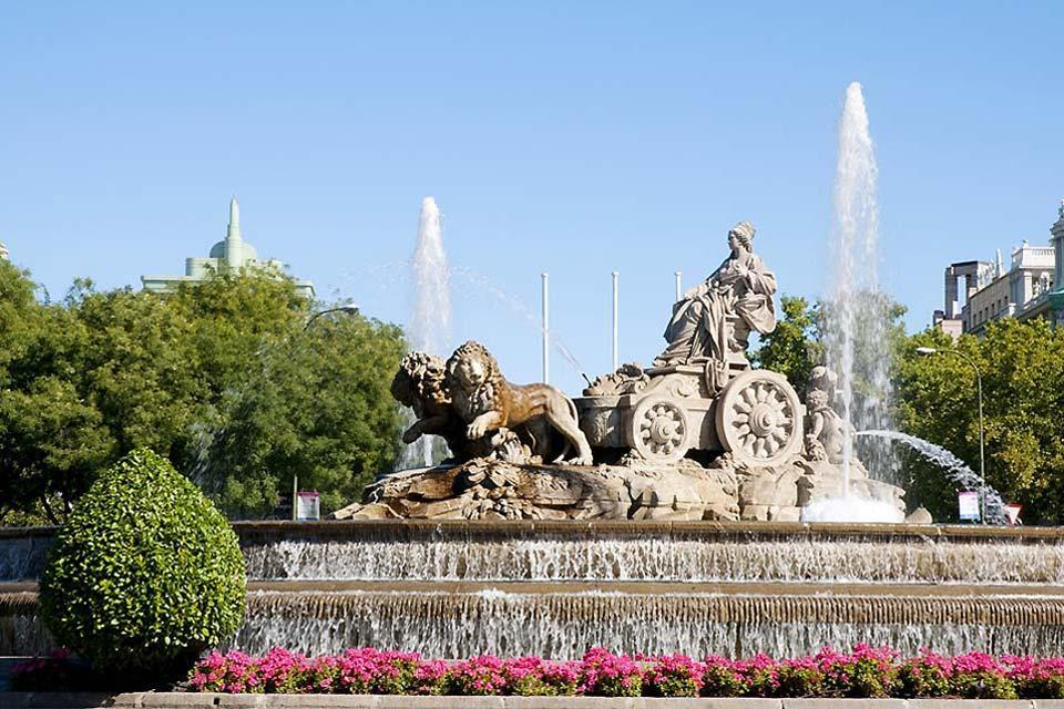 La Cibeles et la Puerta de Alcalá , La Statue de Cybèle , Espagne