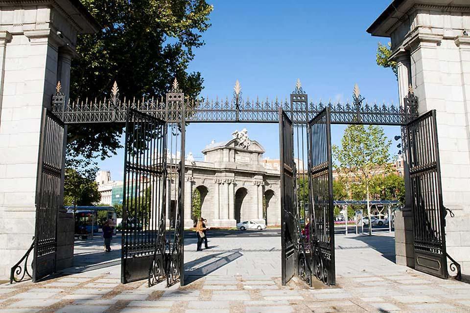 La Cibeles et la Puerta de Alcalá , La Puerta de Alcalá , Espagne