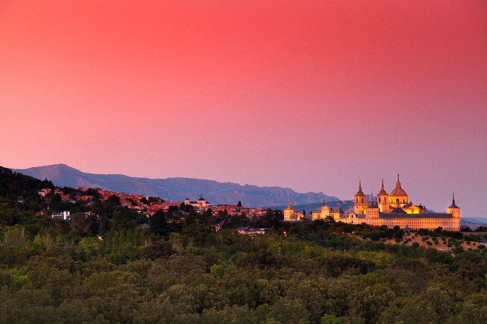 El monasterio de El Escorial , Las salas del monasterio , España