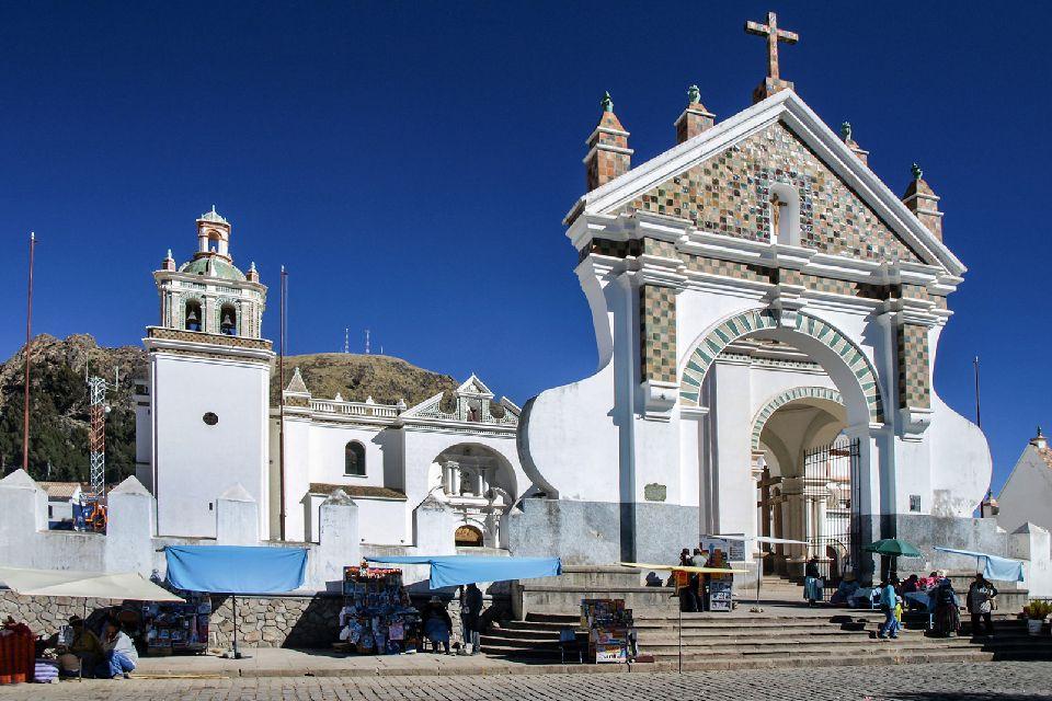 La strada del Barocco , La Basilica di Copacabana , Bolivia