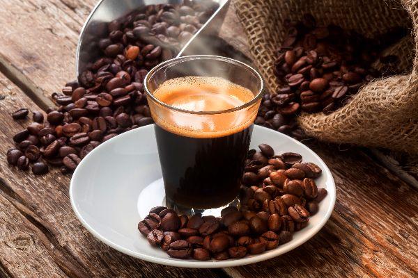 EL CAFÉ , Café fuerte , Italia