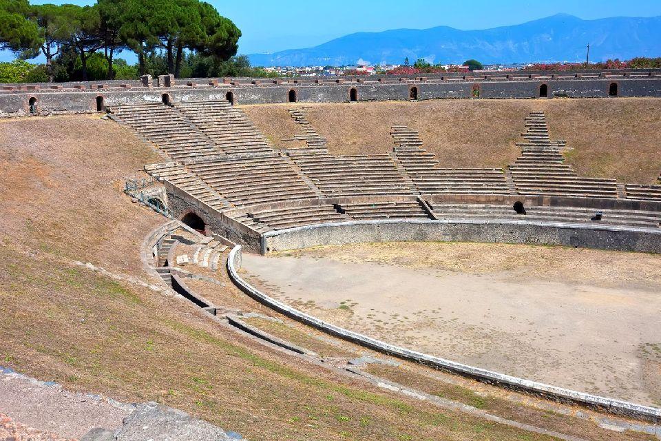Pompéi , Le grand théâtre de Pompéi , Italie